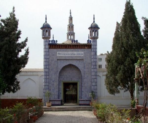 Uyghur Alimi Yüsüp Xas Hajipning Maziri-1