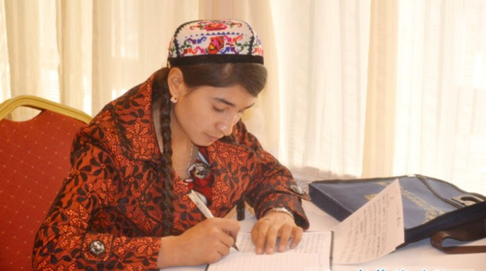 Hökümdar we Alimlarni tughudighan Meripetperwer Uyghur Analiri!